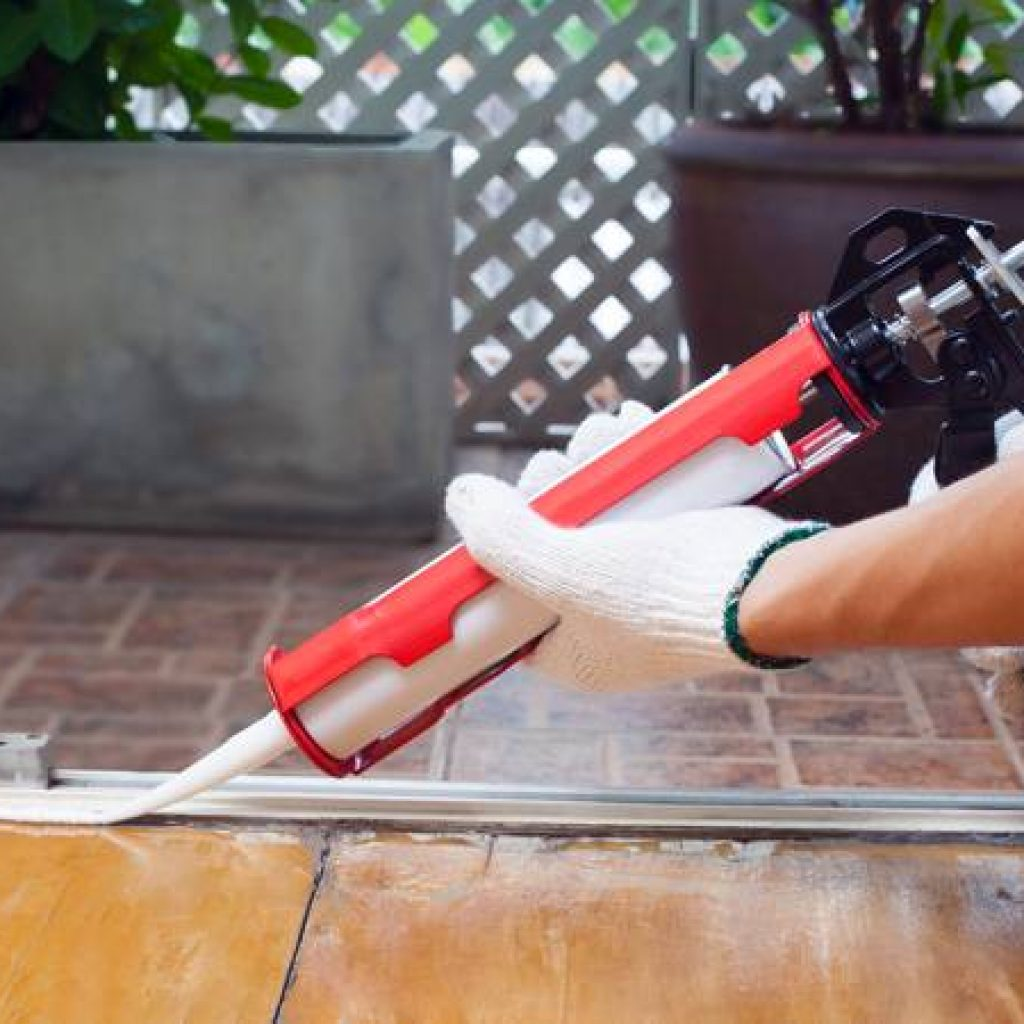 how to use a caulk gun the grout specialist. Black Bedroom Furniture Sets. Home Design Ideas